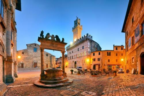 Montepulciano: Circa 40 km da Pian della Bandina