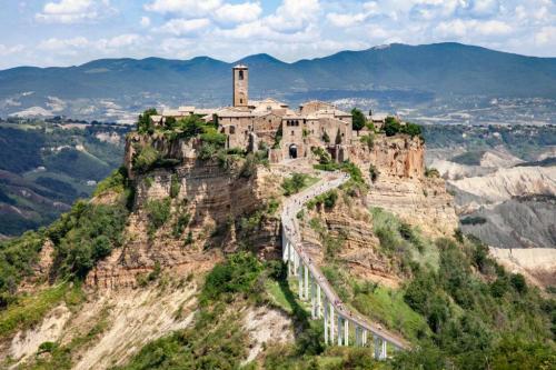 Civita di Bagnoregio: About 60 km from Pian della Bandina