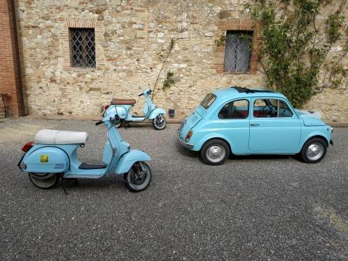 Renting oldtimers: About 40 km from Pian della Bandina